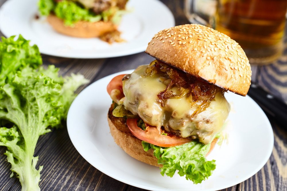 Put the Classic cheeseburger with caramelized onion together