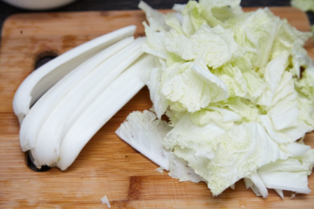 Slice Chinese cabbage for chinese fried noodles with bacon