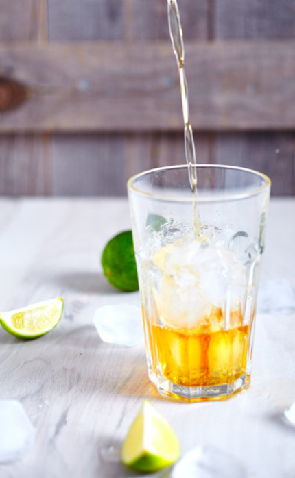 Pour rum for cuba libre or just rum and coke