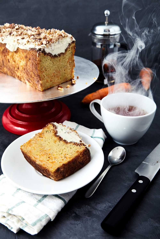 Пошаговый рецепт простого морковного пирога с глазурью из маскарпоне с лаймом