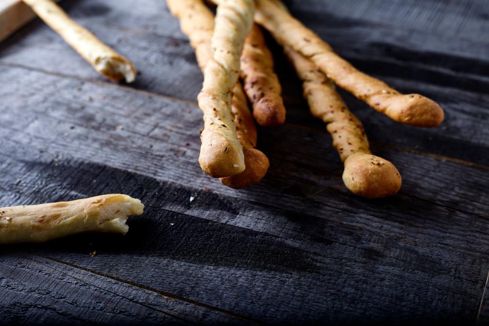 Twisted sticks for italian breadsticks grissini