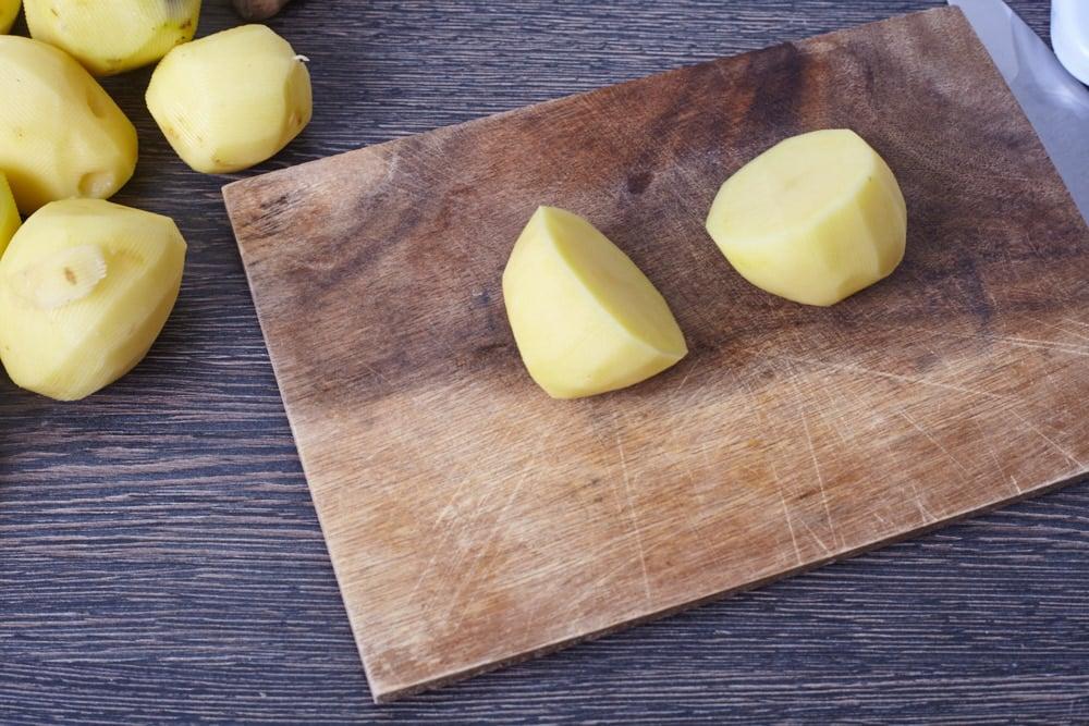 Peel 1 kg of potato for perfect baked potato
