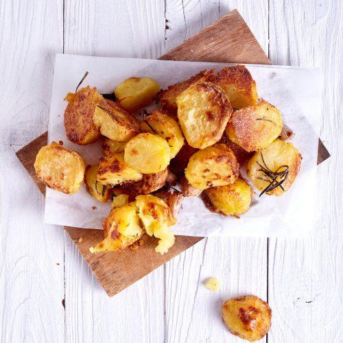 Пошаговый рецепт простой идеальной запеченной картошки