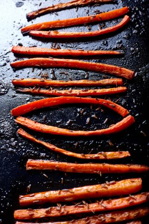 Glazed Carrots with Thyme easy to make step-by-step recipe