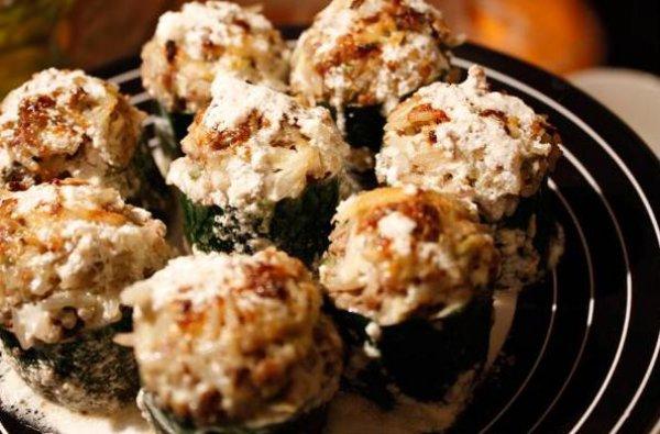 #24 Кабачки, фаршированные рисом и говядиной - Рецепт от Ivona.Bigmir |30+ рецептов из кабачков