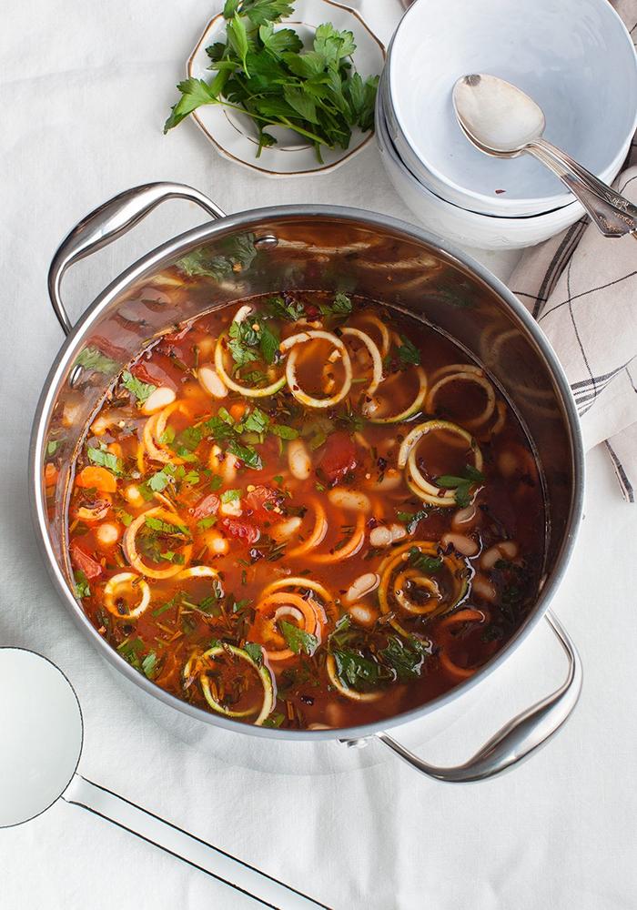#13 Овощной суп с лапшой из кабачков/цуккини - Рецепт от Loveandlemons |30+ рецептов из кабачков