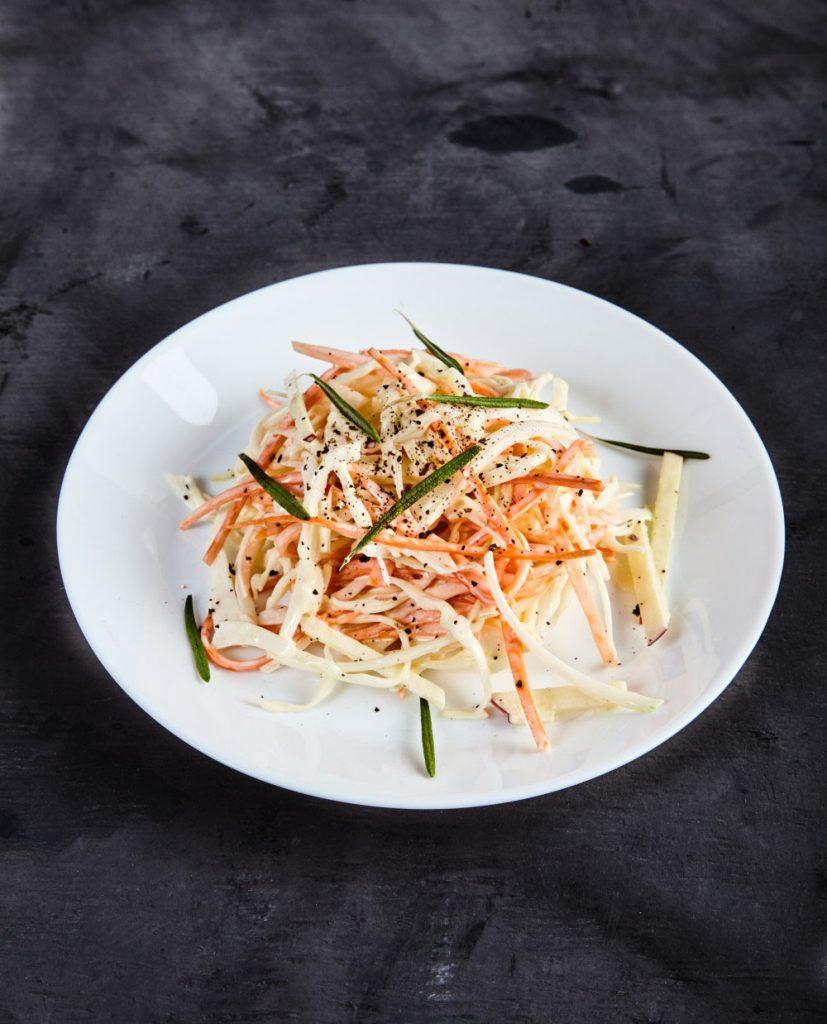 #2 Вариация на «Коул Слоу» Джейми Оливера -  Рецепт от Bayevskitchen - 23 идеи того, что приготовить из красной капусты