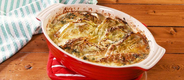 #8 Сырная запеканка с капустой - Рецепт от Delish| 20 идей для рецептов из капусты