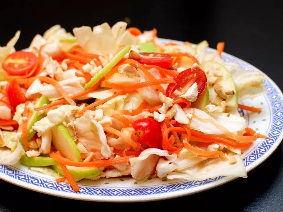 #4  Острый салат из капусты с рыбным соусом - Рецепт от Seriouseats| 20 идей для рецептов из капусты