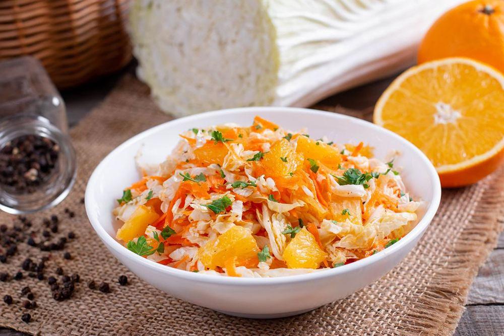 #5 Салат из пекинской капусты с апельсинами - Рецепт от Fresh | 20 идей для рецептов из капусты