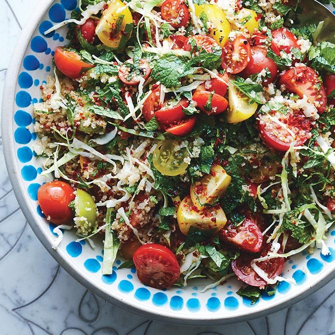 #10 Табуле с капустой и томатами - Рецепт от Bonappetit | 20 идей для рецептов из капусты
