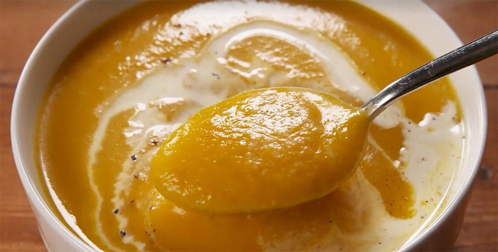 #25. Traditional pumpkin cream soup.