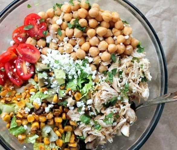 #7 Low calorie chickpea salad with chicken.